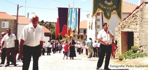 Aldeia da Ribeira: Festa em honra do Santíssimo Sacramento
