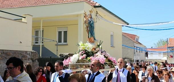 Aldeia Velha: Nossa Senhora dos Prazeres e seus devotos…